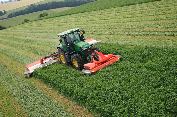 Kuhn FC triple mower-conditioner combination